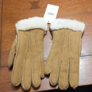 Nwt ugg winter gloves